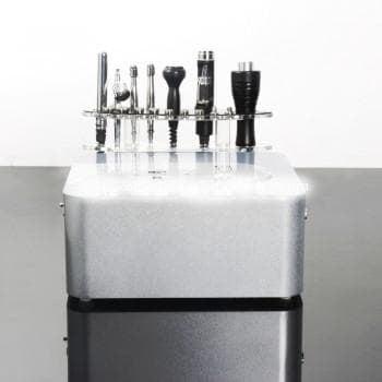 Мултифункционален уред за нефритена и кислородна терапия, криотерапия, безиглена мезотерапия и дермабразио