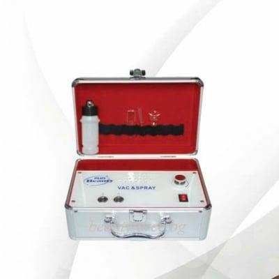Козметичен портативен уред с вакуум и спрей функция